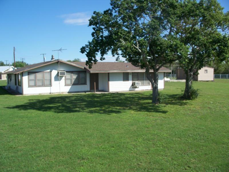 141 Century Drive Property Photo - Mathis, TX real estate listing