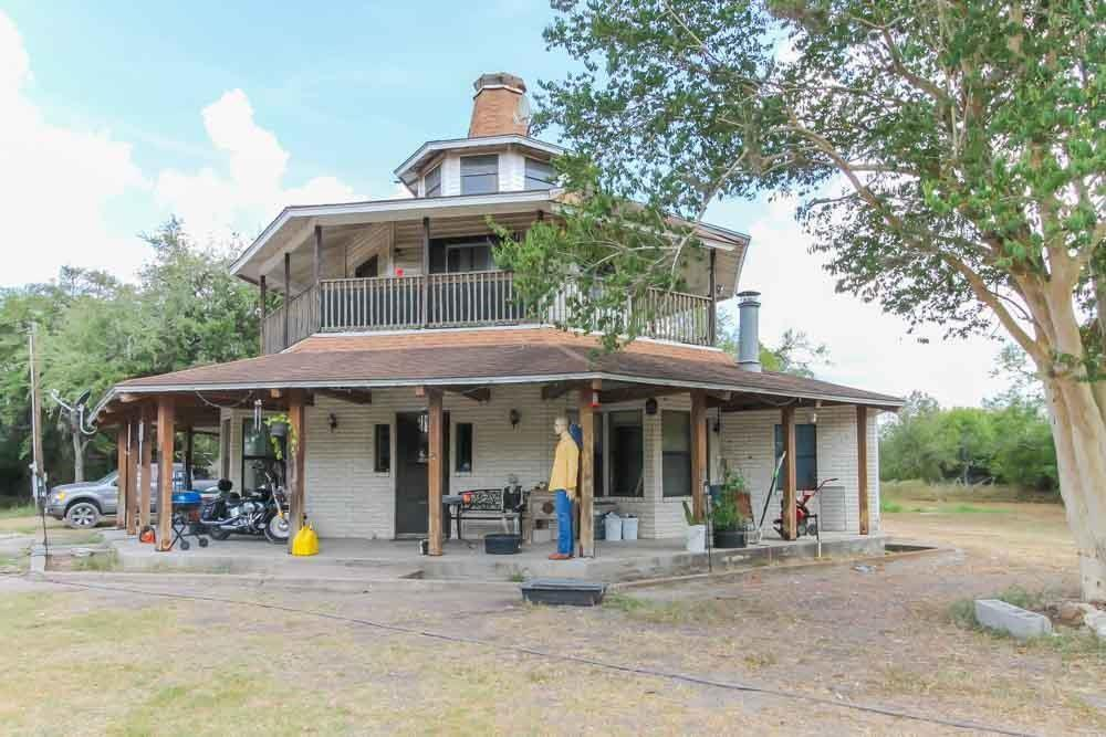2777 First Street Property Photo - Beeville, TX real estate listing