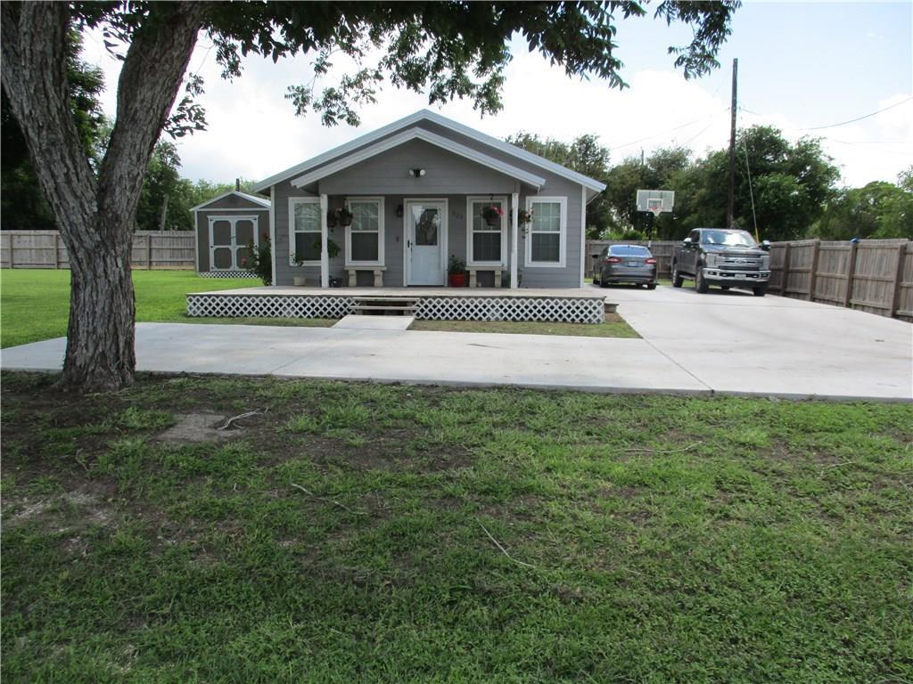 323 W San Patricio Avenue Property Photo