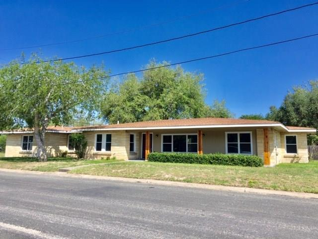 401 E Randall Street Property Photo - Beeville, TX real estate listing