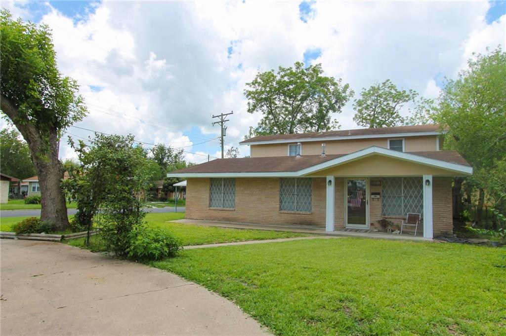 501 N Ave C Street N Property Photo - Beeville, TX real estate listing