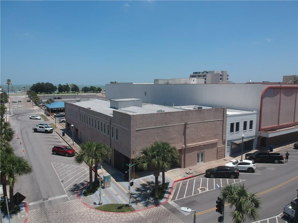 222 N Chaparral Street Property Photo