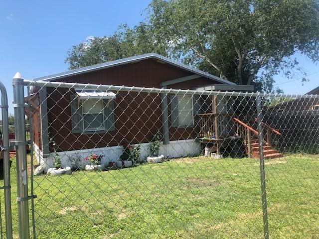 707 E Kennedy Avenue Property Photo - Benavides, TX real estate listing
