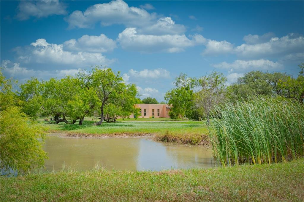 932 CR 536 Property Photo - Sinton, TX real estate listing