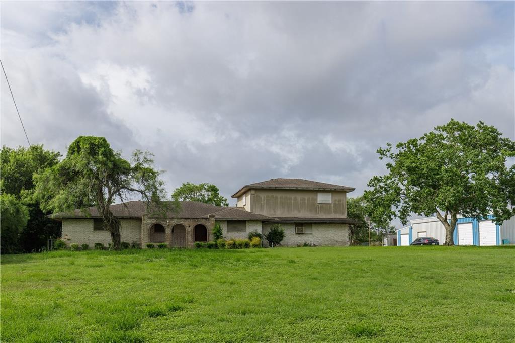 12925 E Redbird Property Photo
