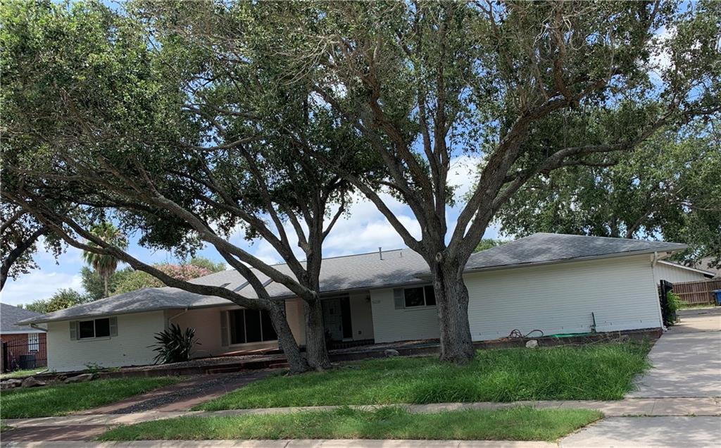 5018 Oakmont Drive Property Photo - Corpus Christi, TX real estate listing
