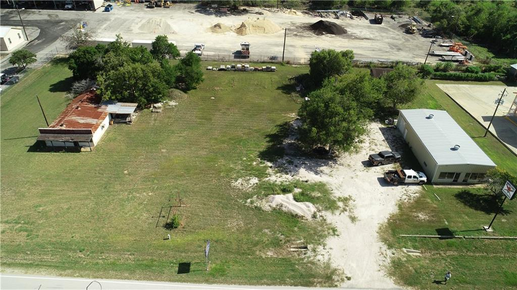 949 W Pearl Street Property Photo - Goliad, TX real estate listing