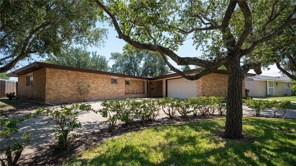 453 Pennington Drive Property Photo - Corpus Christi, TX real estate listing