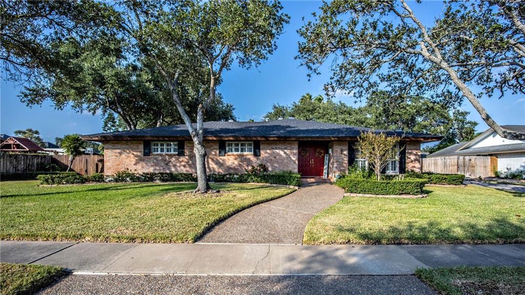 5228 River Oaks Drive Property Photo