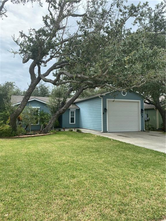 109 Pecan Harbor Street Property Photo - Rockport, TX real estate listing