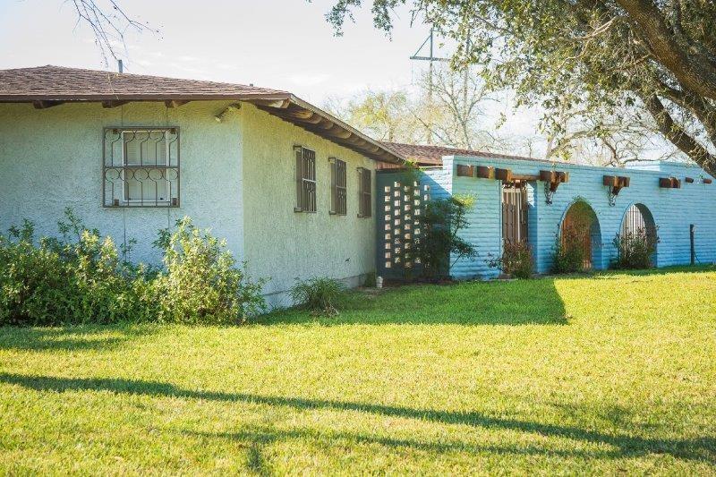 121 E County Road 2130 Property Photo 1