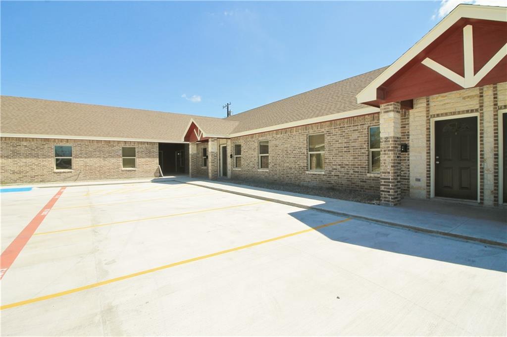 724 W Kleberg Avenue Property Photo 1