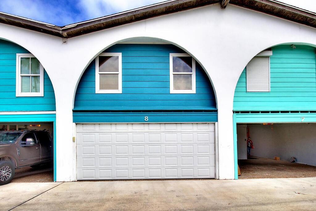 318 W Cotter Avenue #8 Property Photo