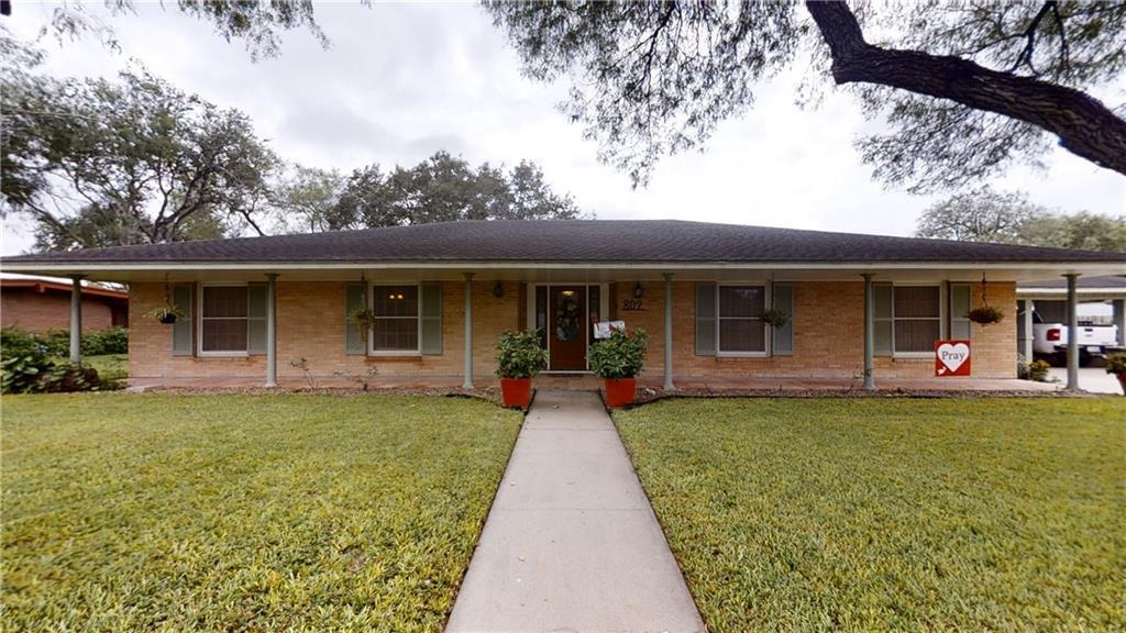 802 E Joyce Street Property Photo - Bishop, TX real estate listing