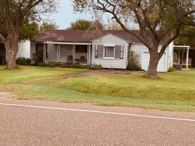 702 E 4th Street Property Photo - Bishop, TX real estate listing