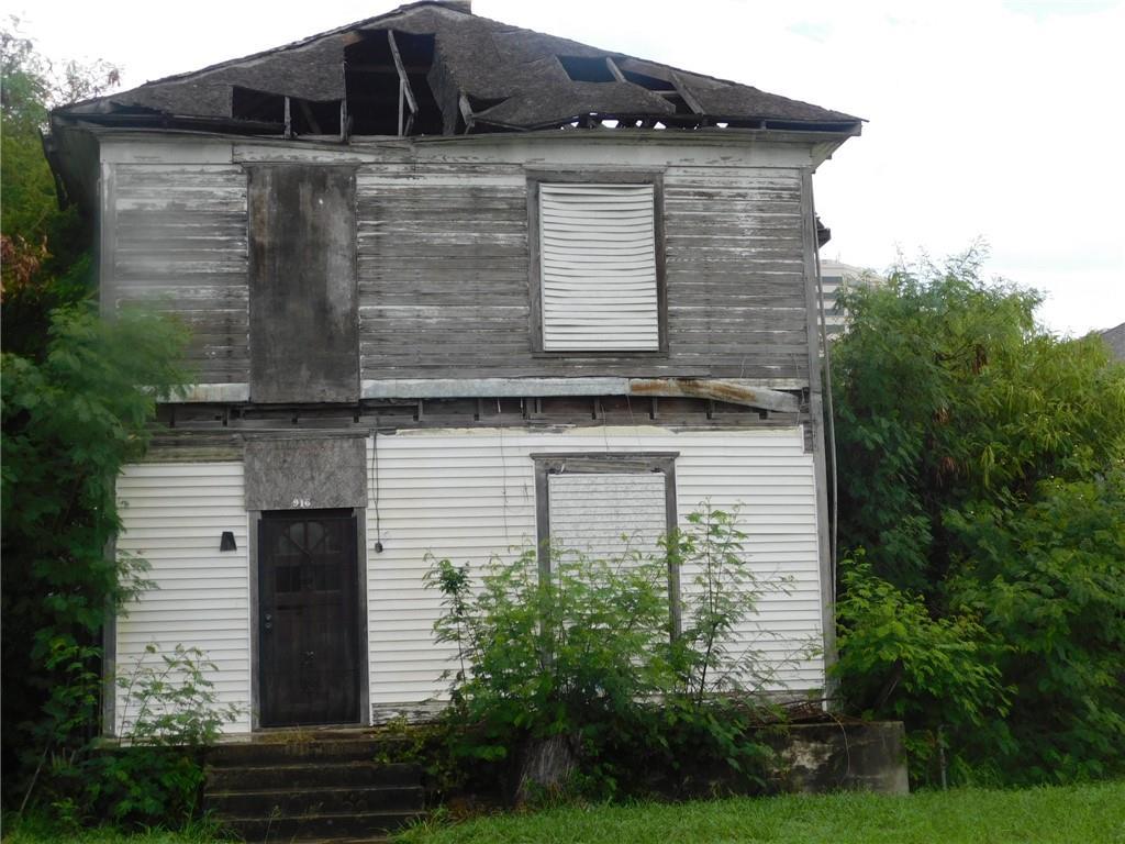 916 Waco Street Property Photo