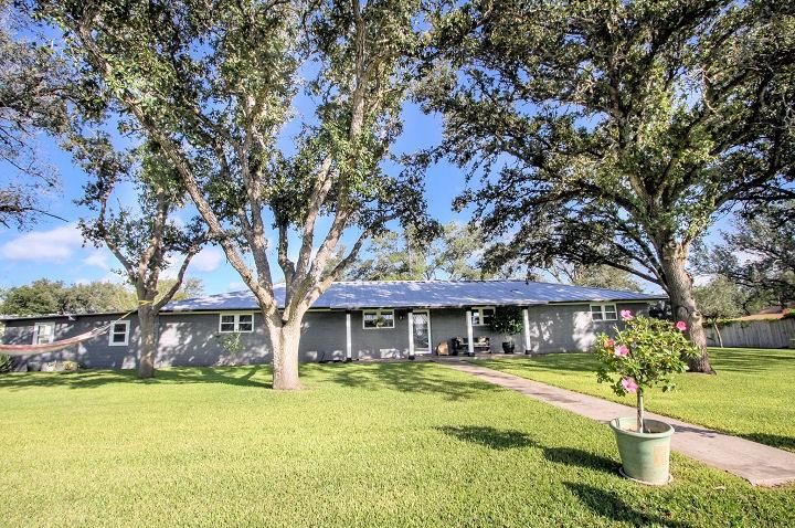 1204 Bowie Street Property Photo - George West, TX real estate listing