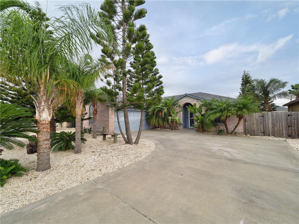 13842 Flintlock Drive Property Photo - Corpus Christi, TX real estate listing