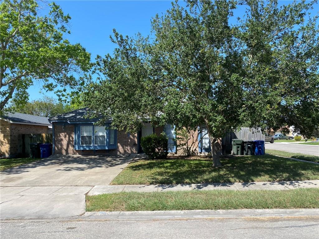 5366 Crossridge Drive Property Photo - Corpus Christi, TX real estate listing