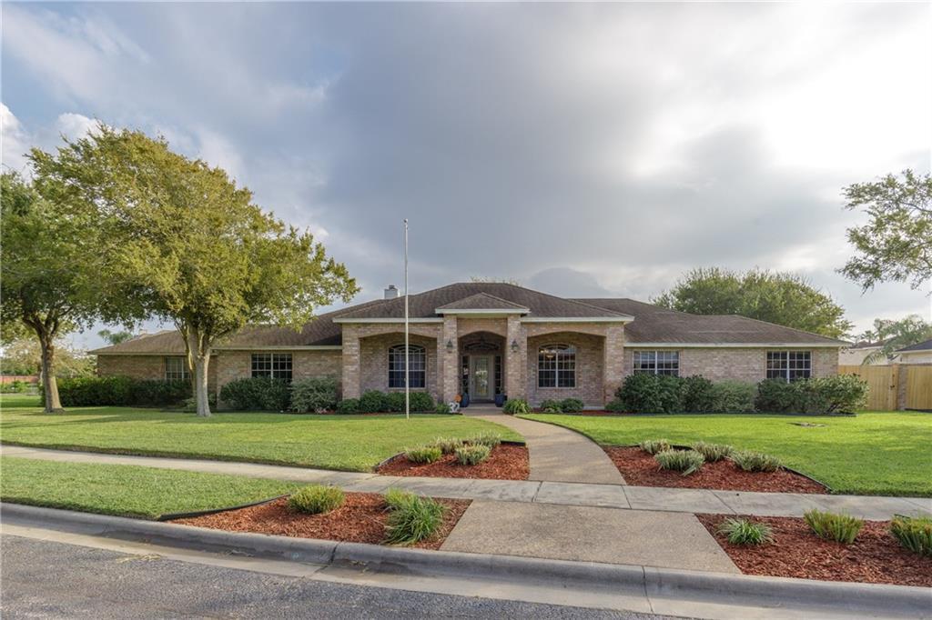 32 Great Lakes Drive Property Photo - Corpus Christi, TX real estate listing