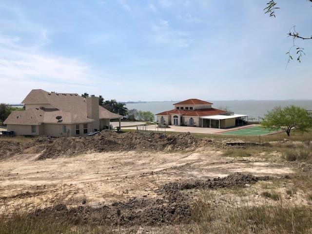 1007 Bluff Drive Property Photo