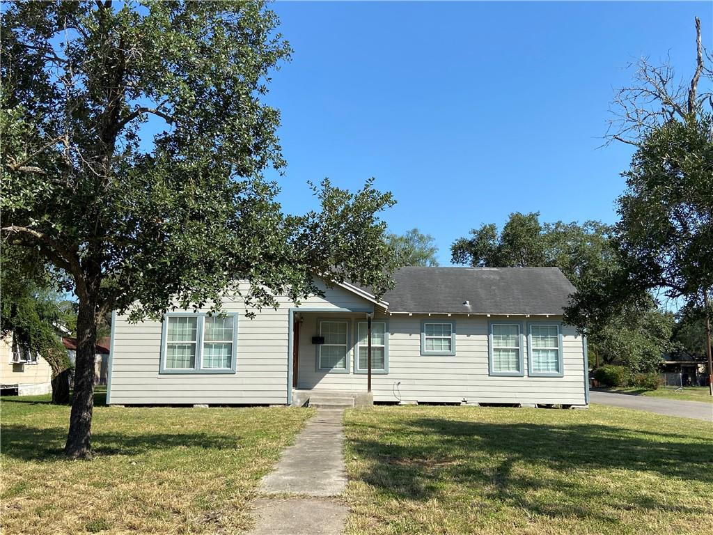 904 W Kleberg Avenue Property Photo - Kingsville, TX real estate listing