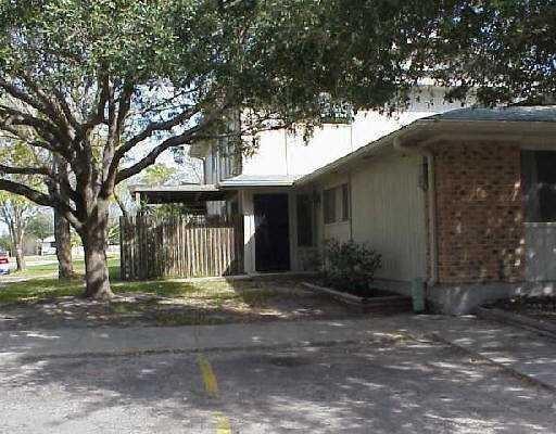6104 Hidden Cove Property Photo 1