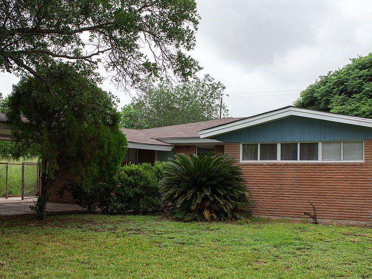 215 NW 2ND Street NW Property Photo - Premont, TX real estate listing