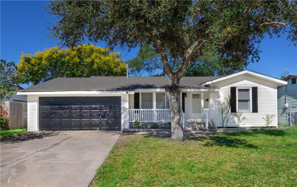 5838 Lucille Drive Property Photo - Corpus Christi, TX real estate listing