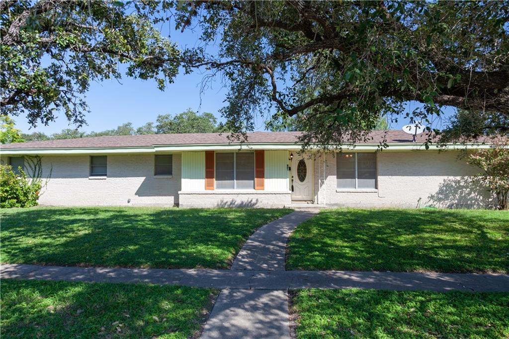801 Edwards Street Property Photo - Sinton, TX real estate listing