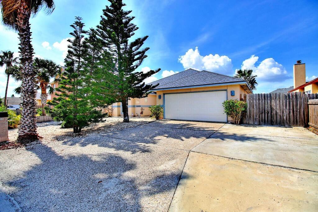 15809 Almeria Avenue Property Photo - Corpus Christi, TX real estate listing