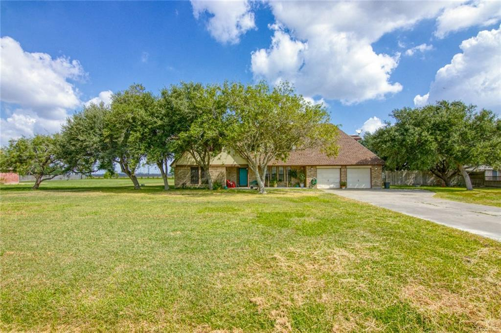 103 Lone Oak Street Property Photo
