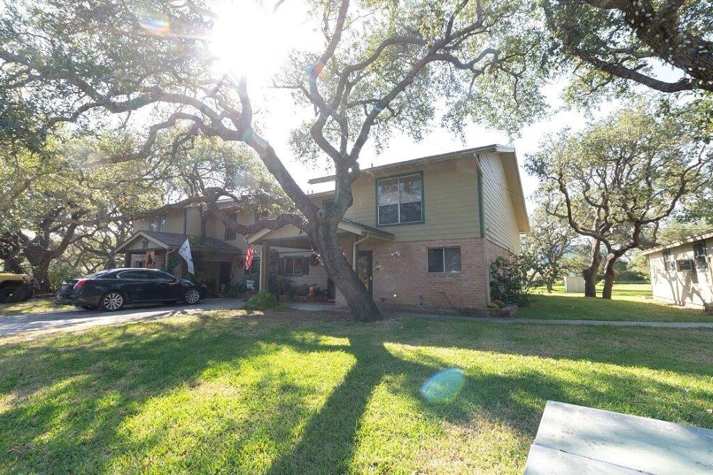 1110 8th Street #B Property Photo - Rockport, TX real estate listing