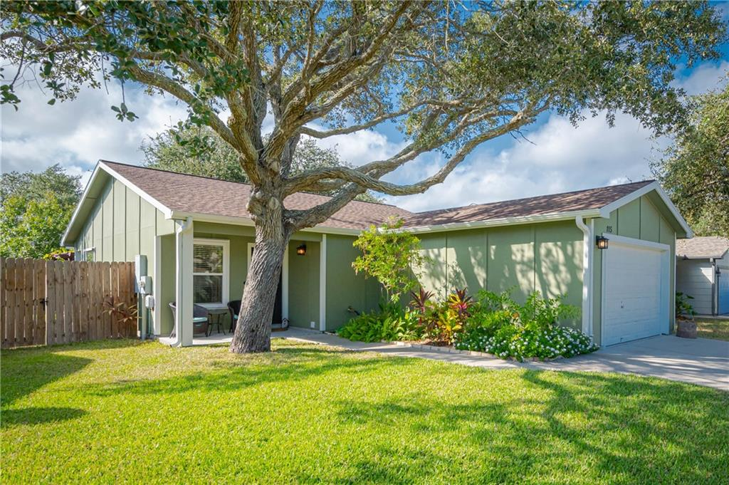 115 Sun Harbor Street Property Photo - Rockport, TX real estate listing