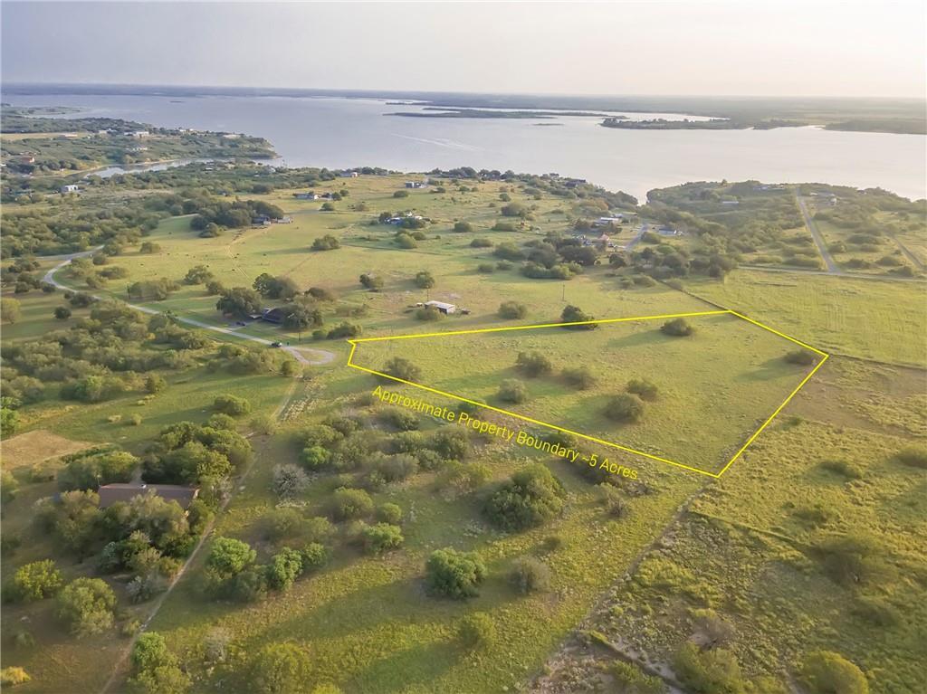 100 Lago Property Photo