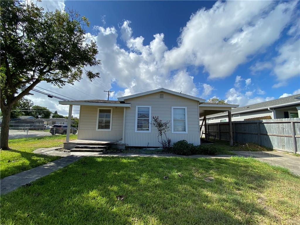 2041 Hudson Street Property Photo - Corpus Christi, TX real estate listing