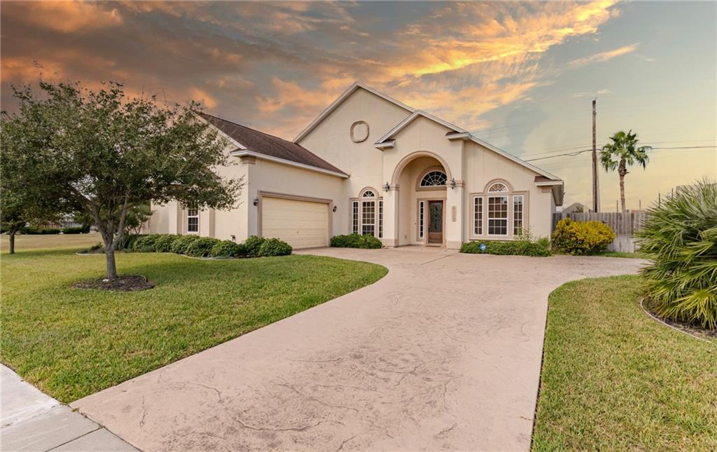 4113 Cimarron Lake Drive Property Photo - Corpus Christi, TX real estate listing