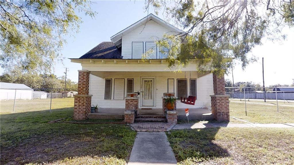 702 E 6th Street Property Photo