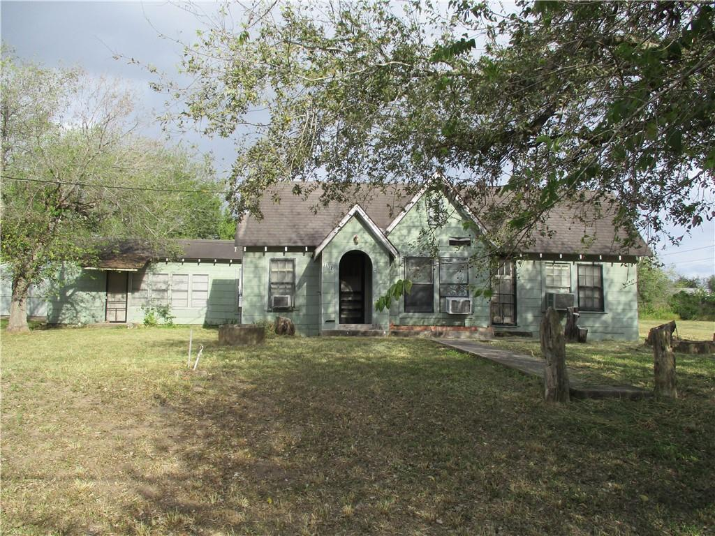 1112 Lamar Property Photo - George West, TX real estate listing