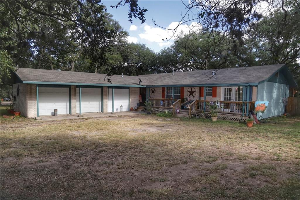 224 Oak Hill Drive Property Photo - Beeville, TX real estate listing
