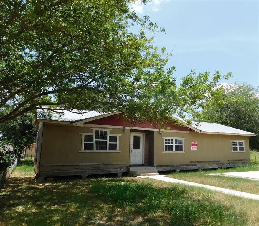 704 S Maria Street Property Photo