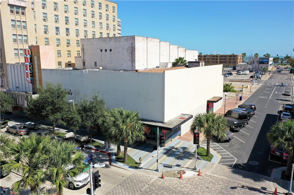 404-410 N Chaparral Street Property Photo