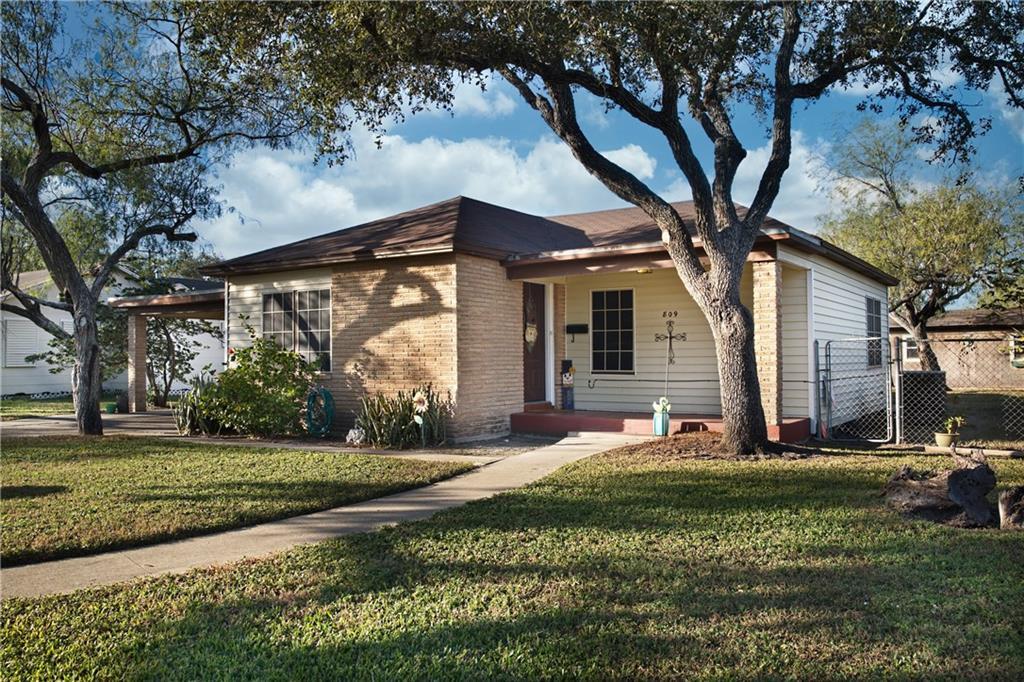 809 E Fulton Street Property Photo