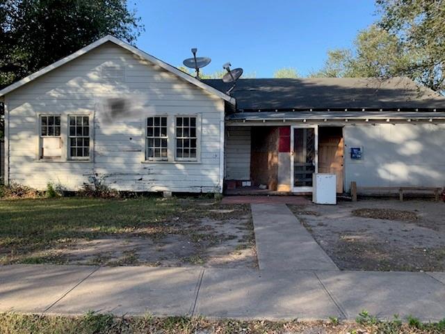 700 W Sinton Street Property Photo 1