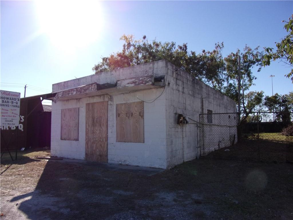 809 Artesian Street Property Photo