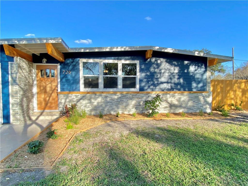 726 Santa Clara Drive Property Photo