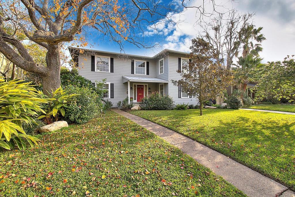 231 Rosebud Avenue Property Photo