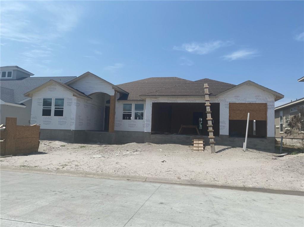 124 Sea Breeze Drive Property Photo - Aransas Pass, TX real estate listing