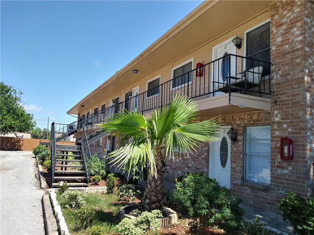 1004 Austin Unit #9 Street Property Photo