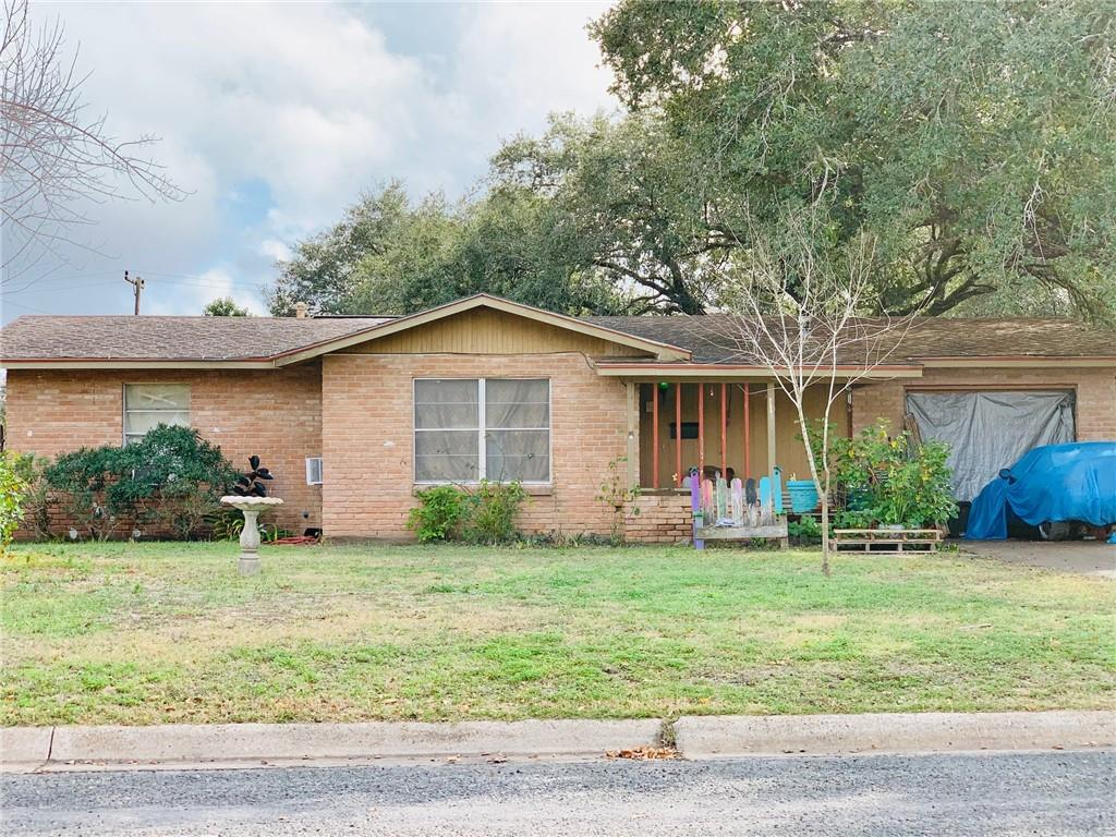 806 E Randall Street Property Photo - Beeville, TX real estate listing